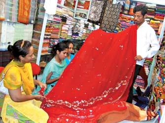 eid-shopping-gains-momentum